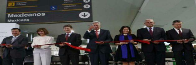 Presentan kioscos de internación automatizada en aeropuertos de CDMX, Cancún y los Cabos