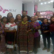 Artesanos plasman su cultura y folklor en una pieza de ropa interior femenina