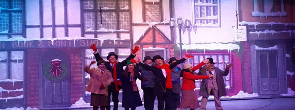 Un cuento de Navidad, el señor Scrooge y ¿Qué diablos tiene el cofre?, excelentes puestas en escena para esta época decembrina
